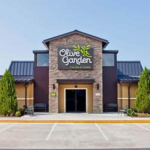 オリーブ・ガーデンの1号店がアラモアナにオープン