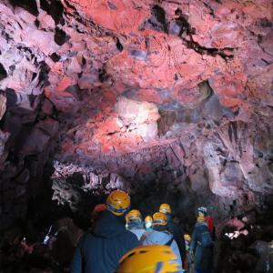 溶岩洞窟、ブルーラグーンで散々(2/19)