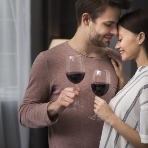 相手を惚れさせる待ち受けを一挙紹介!愛され女子だけが知る彼氏を本気にさせる内緒の方法とは?