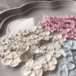 【アイシングクッキー講師作品】 ~可愛いお花✽壁紙にしてくださっている嬉しさ♡~