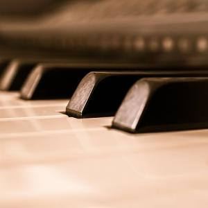 ローランドのピアノ