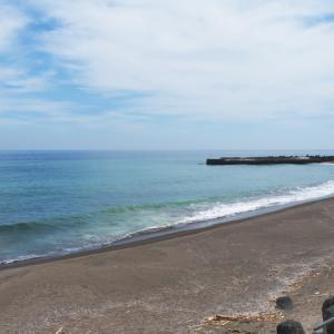 熱川YOU湯ビーチ 稲取池尻海岸ウキウキビーチ(東伊豆の海水浴5)