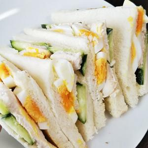 『バーニャカウダ風チキンサンド』~イタリアだと本当は鍋料理?|ゆで卵は水?それともお湯から?~【サラダチキン・焦がしにんにく・ゆで卵】