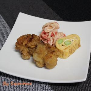 『カニカマサラダ~オーロラソース和え~』と『旨辛チキンのから揚げ』のおつまみプレート【簡単・作り置き・下味冷凍】