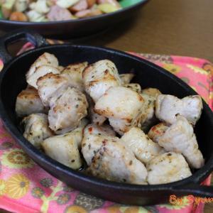 味付けはGABANハーブリッチブレンドでシンプルに『豚のスパイス焼き』~角切り肉をオーブンで柔らか仕上げ~