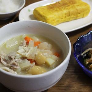 おかずに困ったら『豚汁』~鶏のさつま汁や牛の芋煮も美味しいよね~