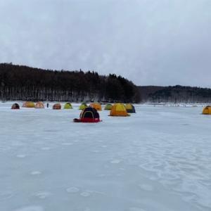 岩洞湖ワカサギ氷上釣り解禁
