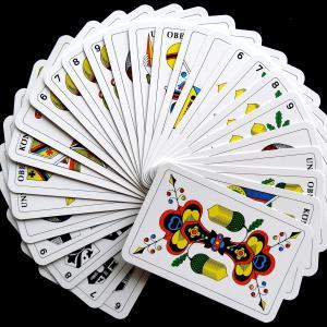 【厳選】カードゲームショップで不動の人気のカードゲーム4選