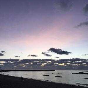 真栄里ビーチで朝日を眺める【旅日記・石垣島】