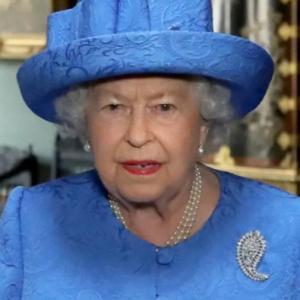 エリザベス女王 王室離脱を容認…