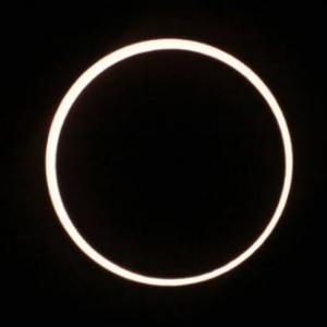 372年ぶりの夏至の金環日食!