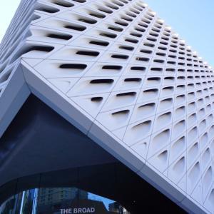 大迫力の現代アート-The Broad アメリカ ロサンゼルス
