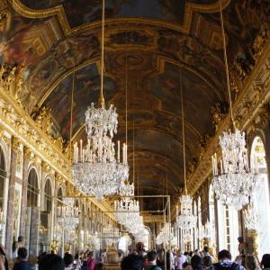 ヴェルサイユ宮殿の豪華絢爛な部屋の数々をご紹介-鏡の間や王妃の大居室など見所が沢山