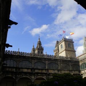 サンティアゴ・デ・コンポステーラ大学の歴史的遺産をご紹介-カスティーリャ王国初の大学を観光する