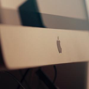 アップル、新型肺炎で売上目標の達成が困難と発表