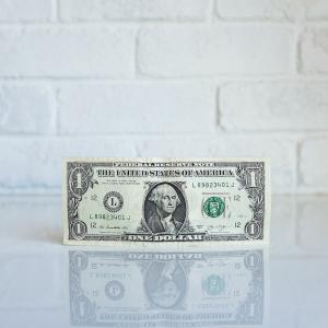投資の経験で現金の価値が変わる