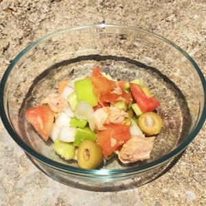 マヨルカ夏の定番サラダ~trampó(トロンポ)頑張れば3分でできちゃうかも料理