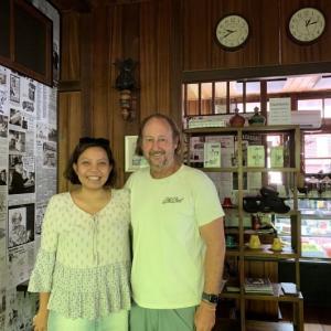 Ransel Buku 財団主催のアイニさんとご主人のマットさん