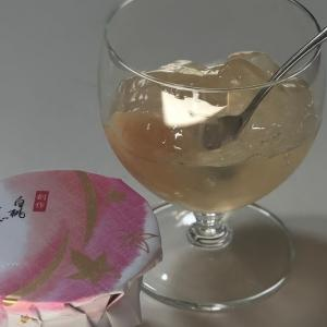 頂いた和菓子『白桃くずきり』。とっても新鮮なお菓子に舌鼓…!