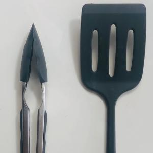 3COINSの調理器具がとても良い。(おまけ:『独立記念日(原田マハさん著)』を購入)