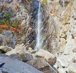 御来光の滝への単独登頂は危険すぎました
