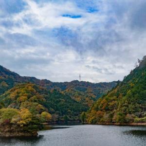 銚子ダム公園の紅葉2018とBMW3シリーズ