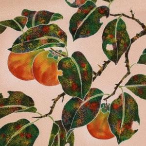 手描き友禅 染名古屋帯「柿」縮緬 枇杷色地 のご紹介です♪