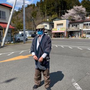 平田村にてこんなステキな「刺し子の洋服」を着ている男性に遭遇!