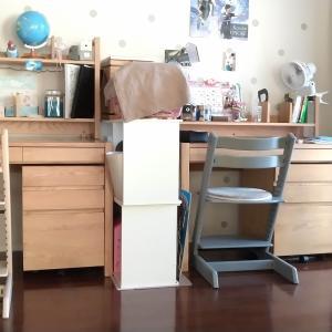 学習机横スペースにキャスター付収納棚