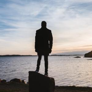 孤独に耐性のある社会人が強い理由
