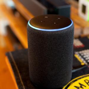 Amazon Echo Plus(第2世代)