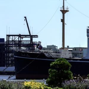 ガンダム ヨコハマに立つ HD PENTAX-D FA★ 70-200mmF2.8ED DC AW