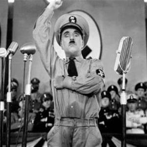 映画『チャップリンの独裁者』(1940年アメリカ映画 チャールズ・チャップリン監督主演) 喜劇王は今でも圧倒的だ