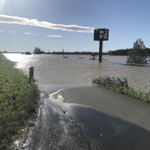 【サッカー】<浦和レッズ>台風19号で悲鳴!練習施設「レッズランド」が荒川から大量の水が流れ込み、水没したと発表…