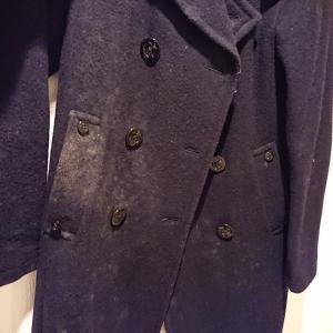 【対処法】冬物コートを取り出したらカビだらけだった【クリーニング料金はいくらかかる?】
