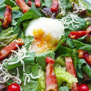 【ケールレシピ5選】栄養の宝庫ケールってどんな野菜?美味しい食べ方は?