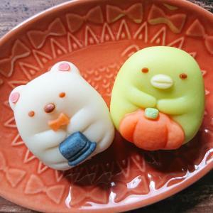 【和菓子】食べマスすみっコぐらしを食べていたら何もかも悟った顔で見てきた