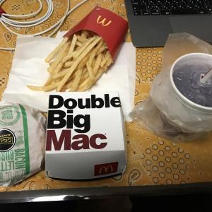 【マクドナルド】夜マックでバーガーのパティ倍にしたらビックで美味しかった!【パティ倍】