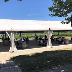 ナイアガラのワイナリーでパティオランチ【Ravine Vineyard Estate Winery】