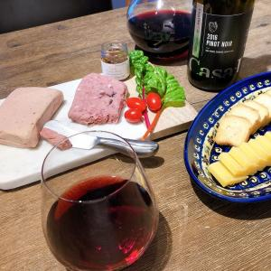 赤ワインが美味しい季節に【おすすめチーズ専門店:Alex Farm Products】