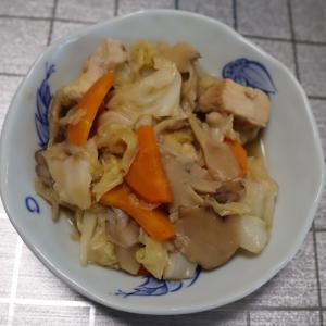 ホットクックで鶏むね肉とキャベツときのこの煮物レシピ