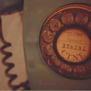 auひ〇りからの電話が嫌い