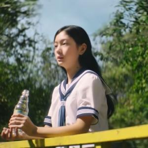 サントリー天然水CMの女優は誰?美絽で中学生!?かわいい画像も!