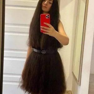 全部髪の毛で出来たドレス・・・