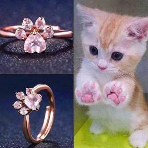 さくら色。ネコの肉球の指輪