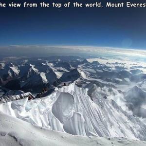 これがエベレストの頂上から見た風景だ!