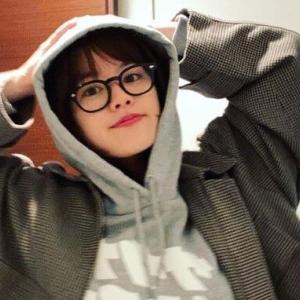 筧美和子、パーカー&メガネのキュートなオフショット!