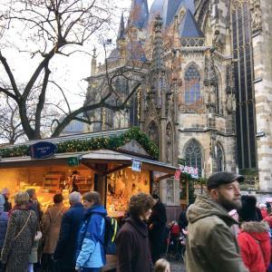 アーヘンのクリスマスマーケットへ。