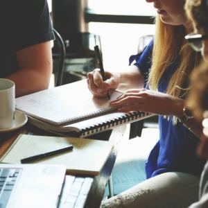 【英語のフレーズ集】打ち合わせや会議で使うビジネス英会話