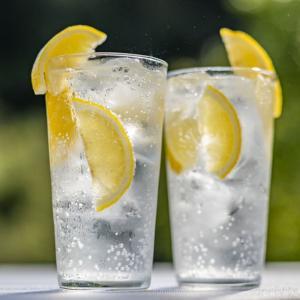 1990年6月6日は、「飲み水の日」